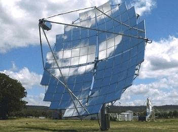 Didžiausia pasaulyje saulės energijos jėgainė. CS500 jėgainės lėkštė yra sudaryta iš 112 kvadratinių veidrodžių. Saulei pakilus penkis laipsnius virš horizonto, lėkštė pradeda sekti jos kelią.