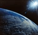Žemės rutulio gaunamos ,atspindimos ir išspinduliuojamos energijos srautai.1.Saulės spinduliuojama energija:2.Žemės spinduliuojama energija:3.Atsispindėjusi energija.