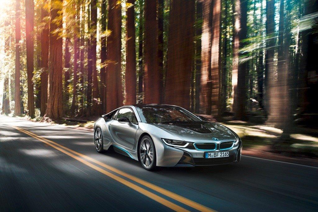 """""""BMW i8"""" išrinktas """"Žaliuoju metų automobiliu"""""""
