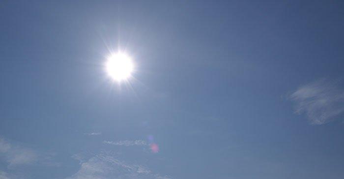 Pirmieji kaitresni saulės spinduliai dalija ir nemalonias staigmenas