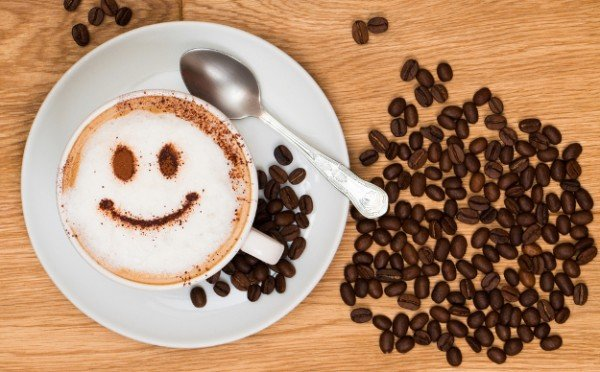 Studentai egzaminų sesijos metu gyvi vien kava ir šokoladu
