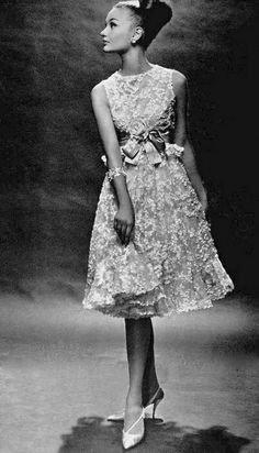 4 pav. Christian Dior suknelė, nuotrauka daryta Georges Saad, 1962 metai.