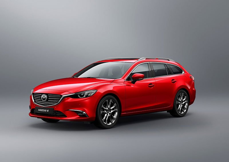 2017-Mazda6_Wagon_Still-3