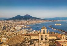 Neapolio krypties universalumas: tarp poilsio ir pažinimo, tarp miesto ir gamtos